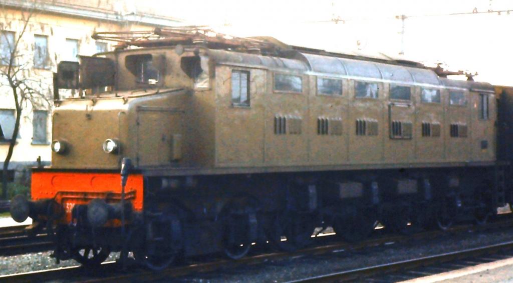 TrainSimSicilia.net - Galleria Fotografica - E326/E326